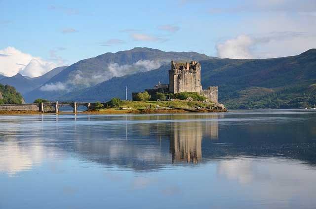 Highlander Eilean castle scotland